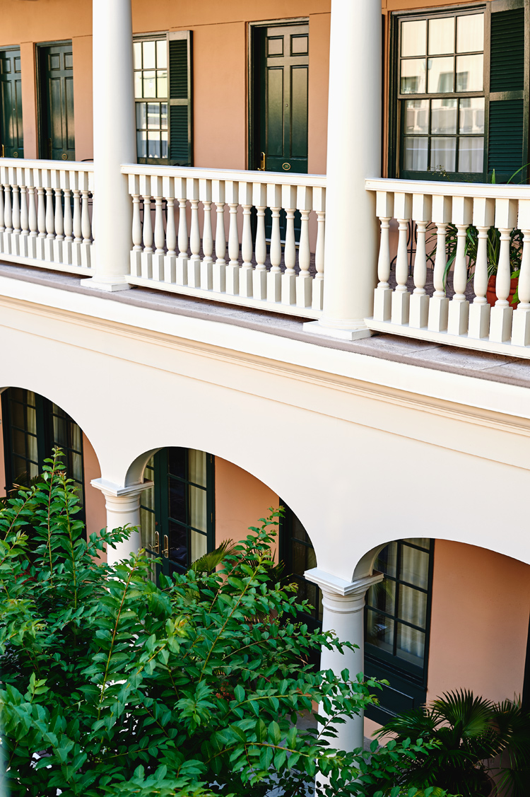 Charleston SC hotel with courtyard