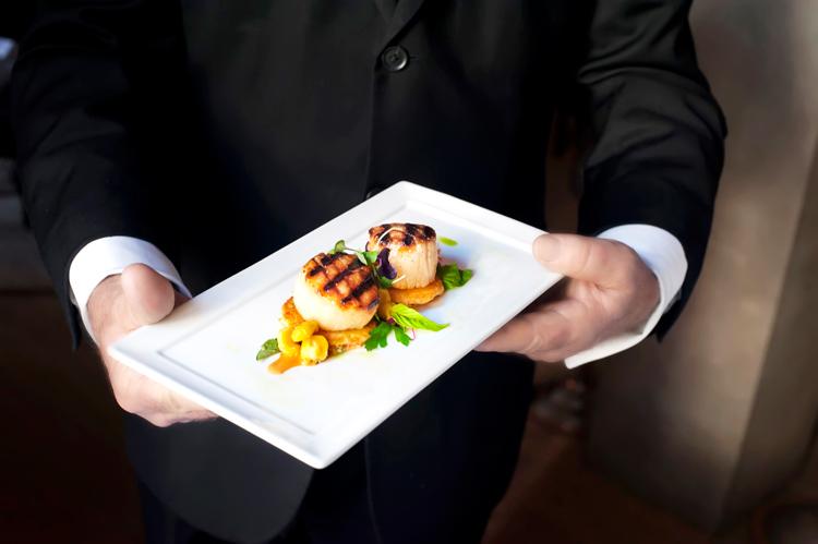 Charleston restaurant with fresh seafood